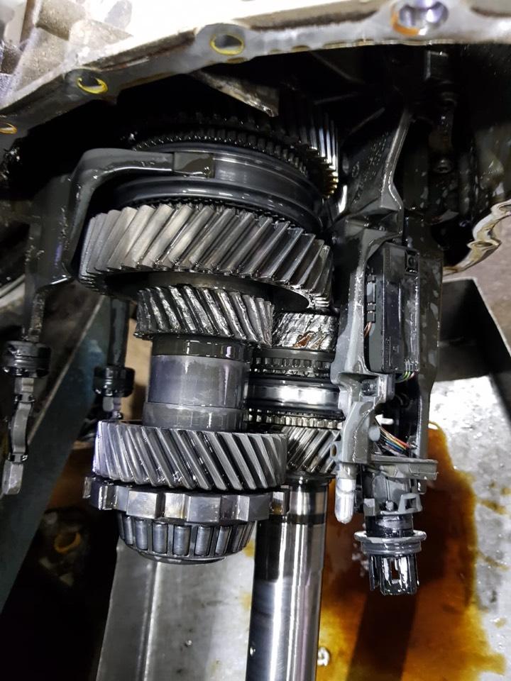 разбитая механическая часть DSG 0B5
